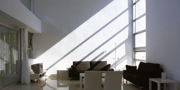 Marcaser - chalet campoamor con ventanal iluminado