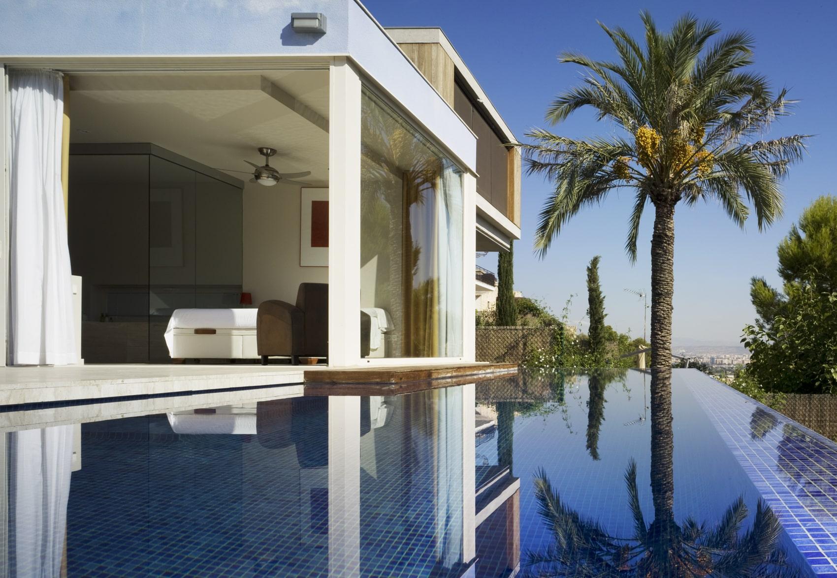 Marcaser - vivienda la alberca con piscina y palmera