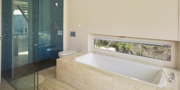 Marcaser - baño con ducha en la alberca