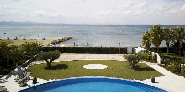 Marcaser - piscina frente al mar