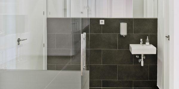 Marcaser - reforma de ducha en centro de belleza