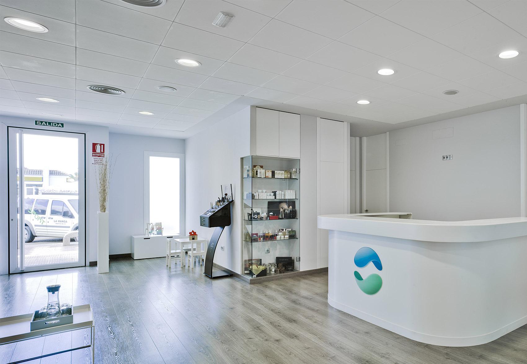 Marcaser - reforma de recepción de centro de belleza
