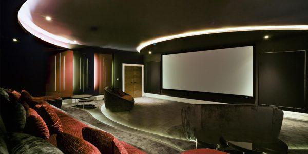 Marcaser - habitación de cine en chalet la manga club