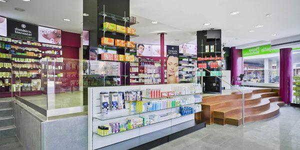 Marcaser - vitrina de muestra en farmacia