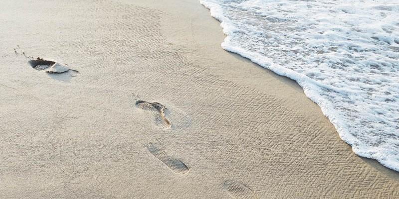 Marcaser - huellas sobre la arena
